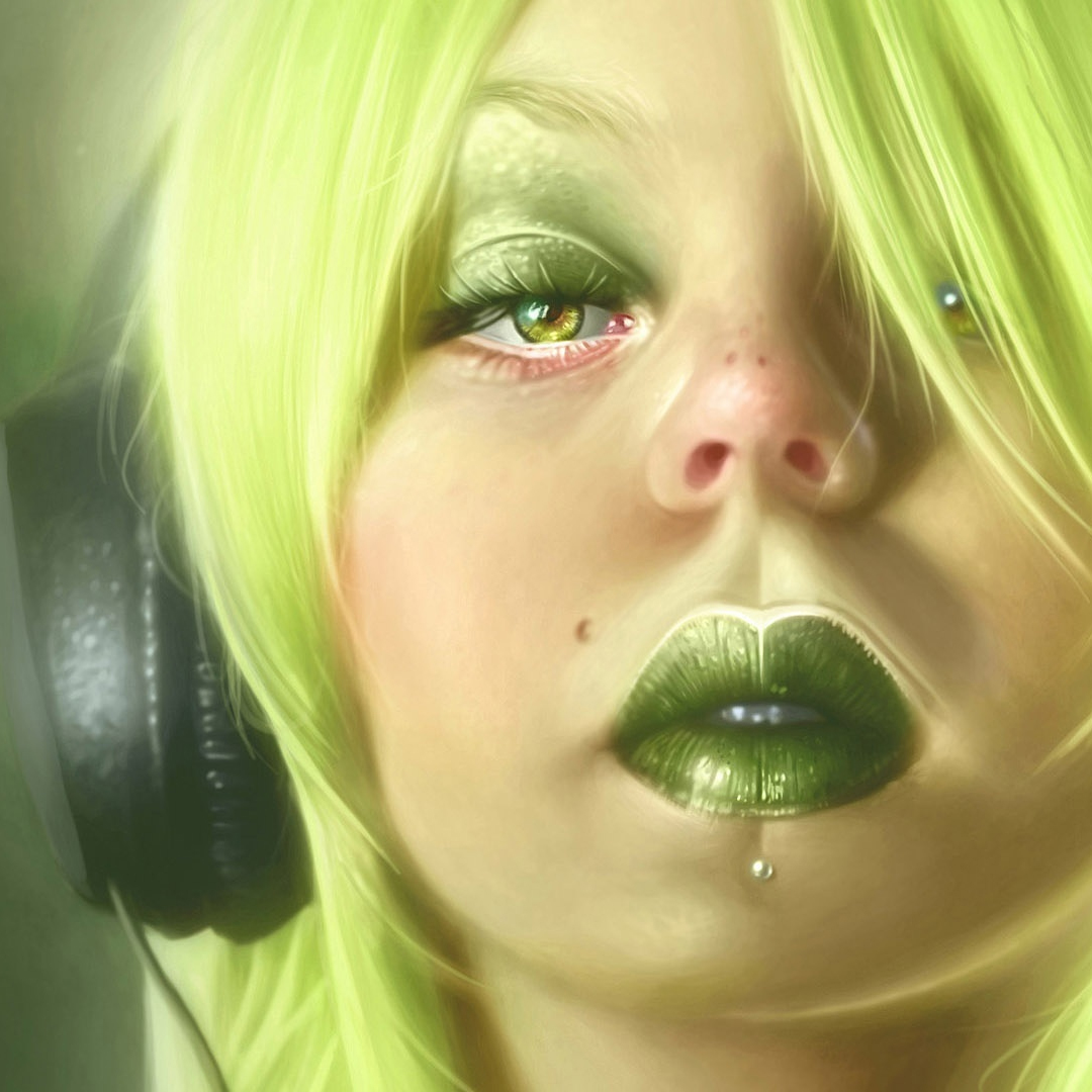 Headphone_Blonde_Green_Makeup