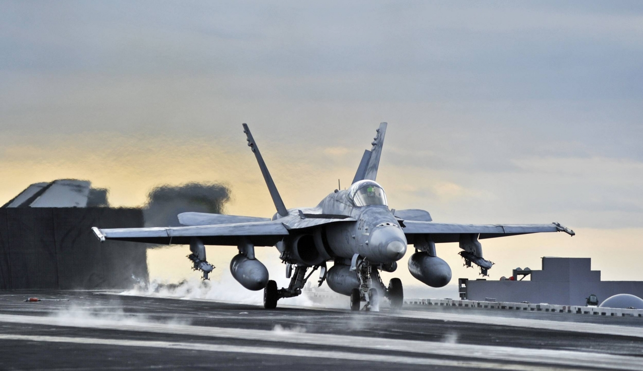 carrier_airplanes_take_off_f-18_hornet_jet_aircraft_desktop_3000x1732_hd-wa